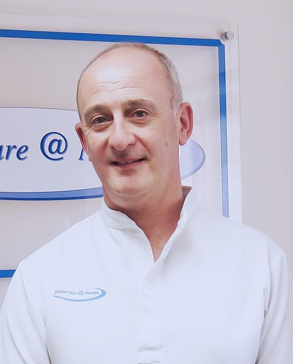 Mr David Roberts
